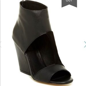 Limited Edition Mia cut out bootie